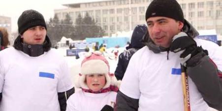 Embedded thumbnail for Семейный хоккейный фестиваль «Люблю папу, маму и хоккей», Благовещенск, 24-25 декабря 2016 года