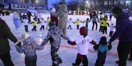 Embedded thumbnail for Новогодний детский праздник 2015, г. Полярный
