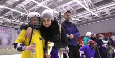 Embedded thumbnail for «Люблю папу, маму и хоккей» в Глазове