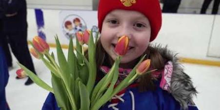 Embedded thumbnail for «В хоккей играют настоящие девчонки!» – 2019
